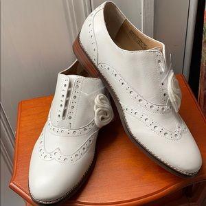 Vionic Wise Hadley Premium Leather Oxfords White